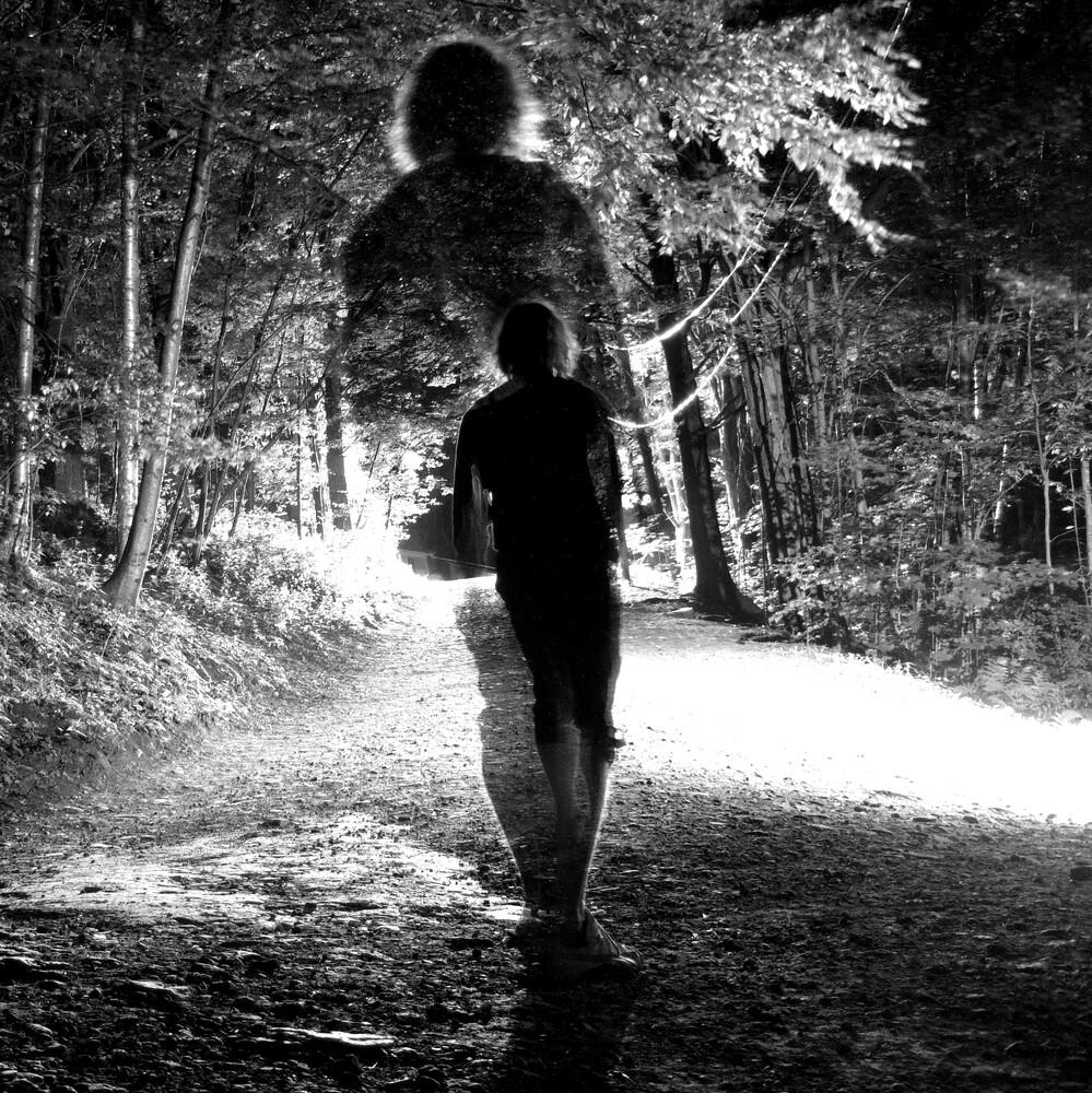 Walk into the light B&W - fotokunst von Matthias Kolbe