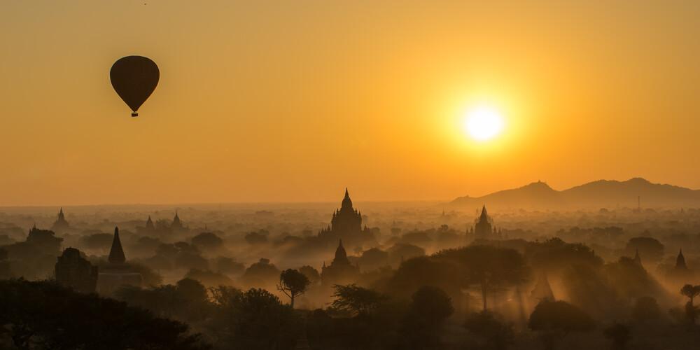 Bagan Orange - fotokunst von Philipp Weindich