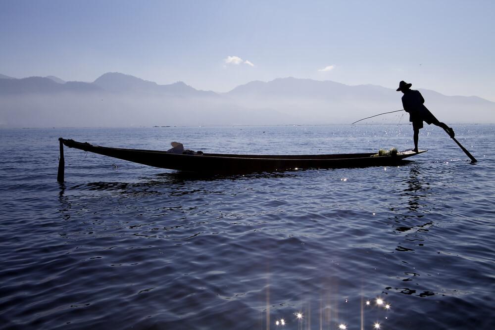 Fisher at Inle Lake, Myanmar. - fotokunst von Christina Feldt