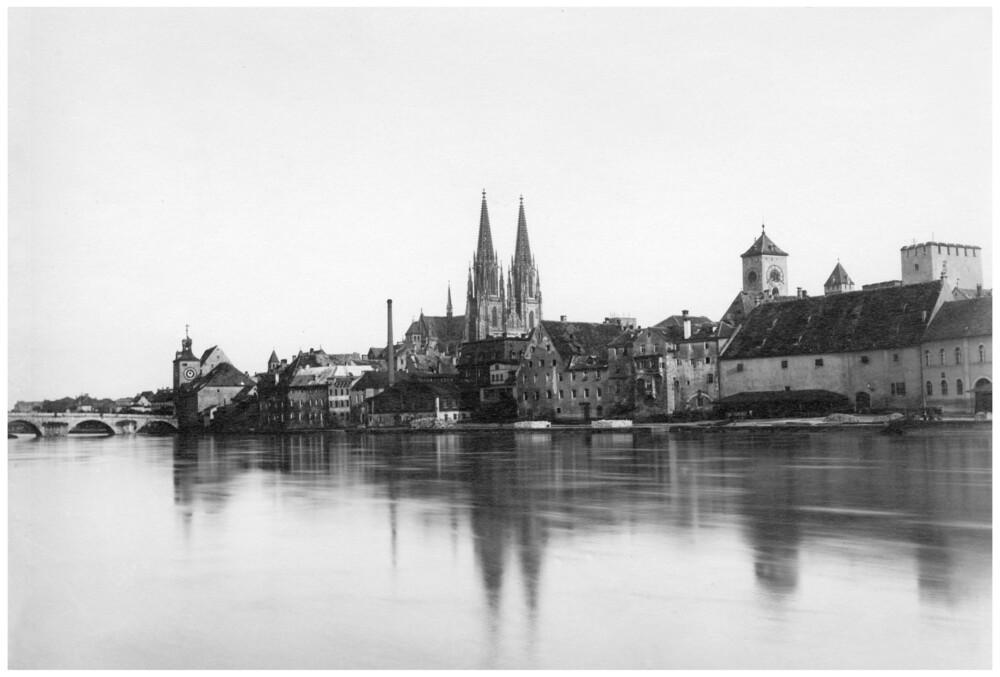 Dom und Steinerne Brücke - fotokunst von Süddeutsche Zeitung Photo