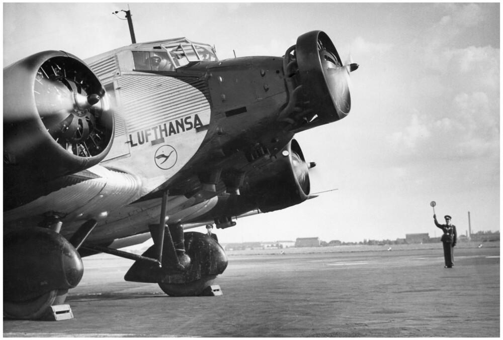 Junkers - fotokunst von Süddeutsche Zeitung Photo