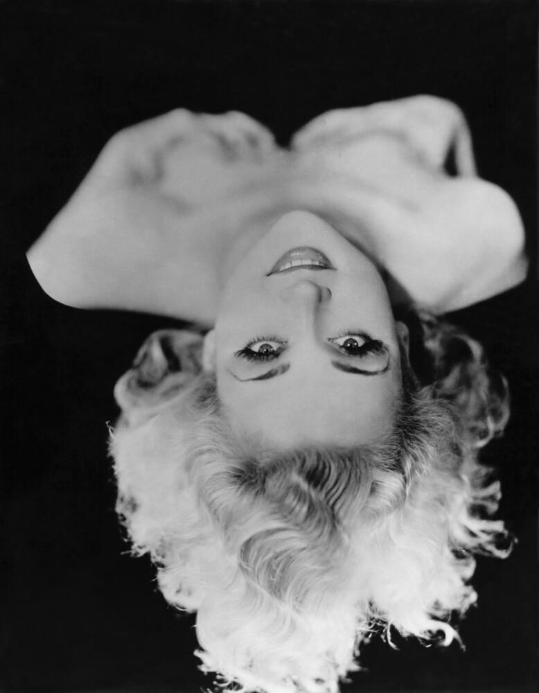 Carole Lombard - fotokunst von Süddeutsche Zeitung Photo