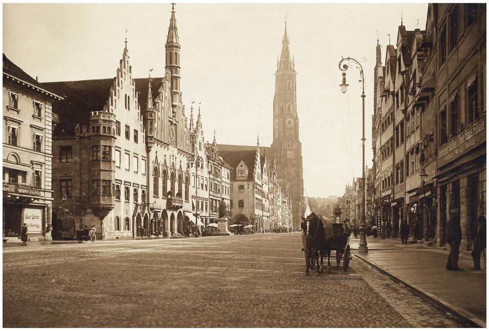 Rathaus und St.-Martins-Kirche - Fineart photography by Süddeutsche Zeitung Photo