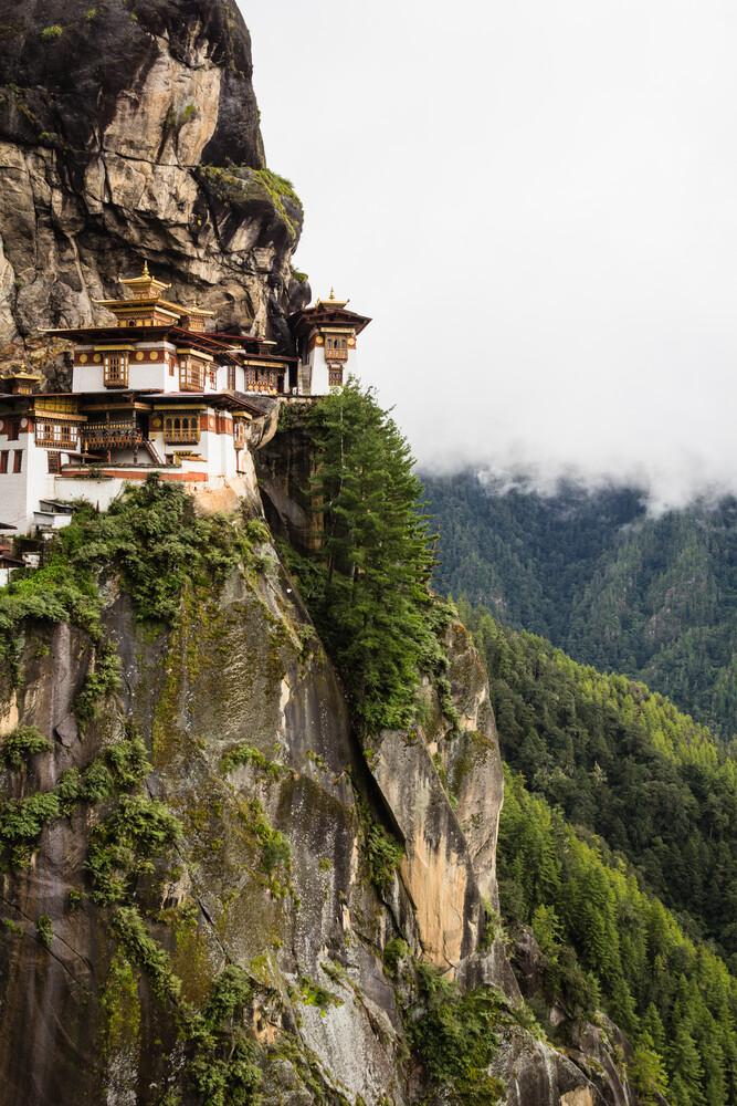 Tiger's Nest Monastery 1 - fotokunst von Cristof Bals