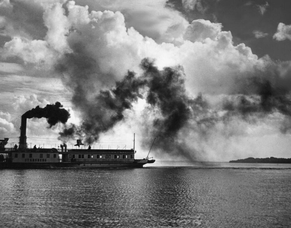 Dampfschiff auf dem Starnberger See - fotokunst von Süddeutsche Zeitung Photo