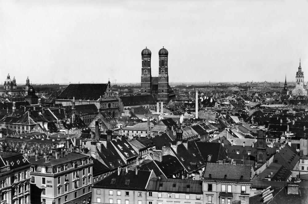Frauenkirche in München - Fineart photography by Süddeutsche Zeitung Photo