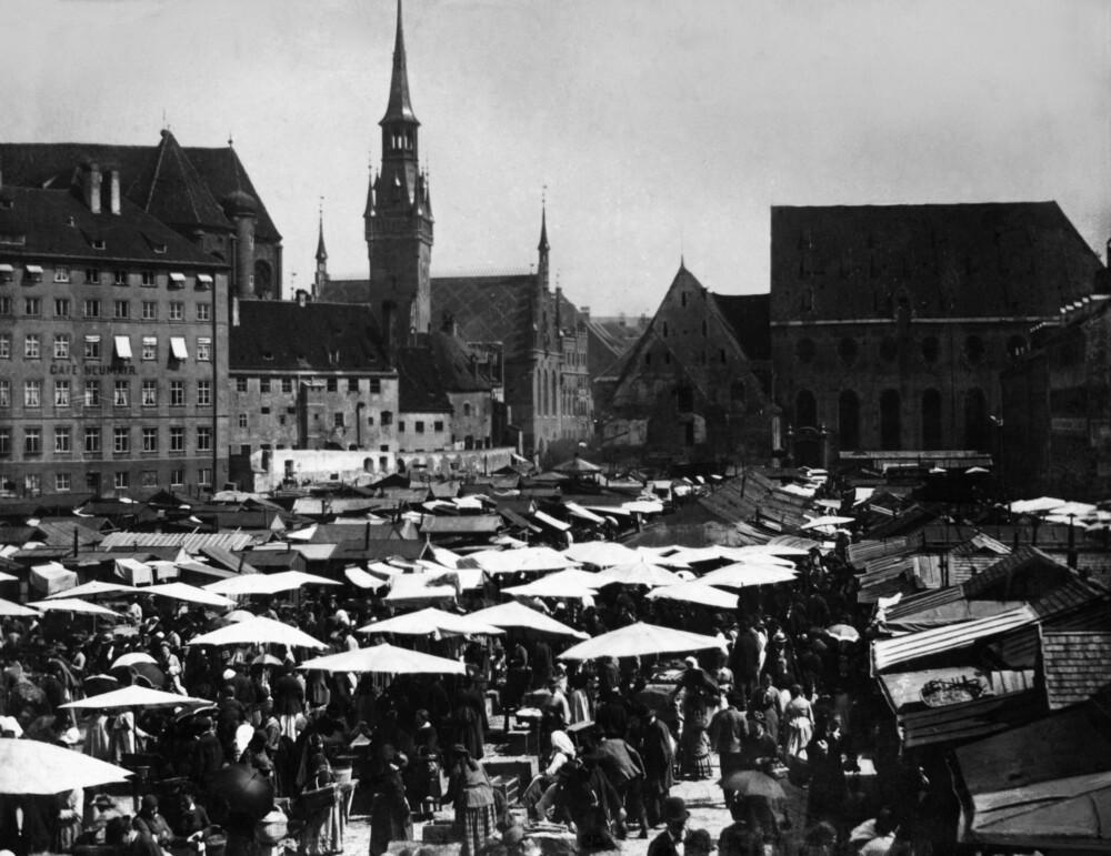 Viktualienmarkt um 1890 - fotokunst von Süddeutsche Zeitung Photo