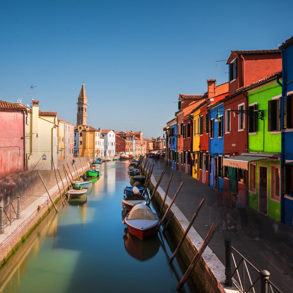 Venedig - Burano Studie #4 - fotokunst von Jean Claude Castor