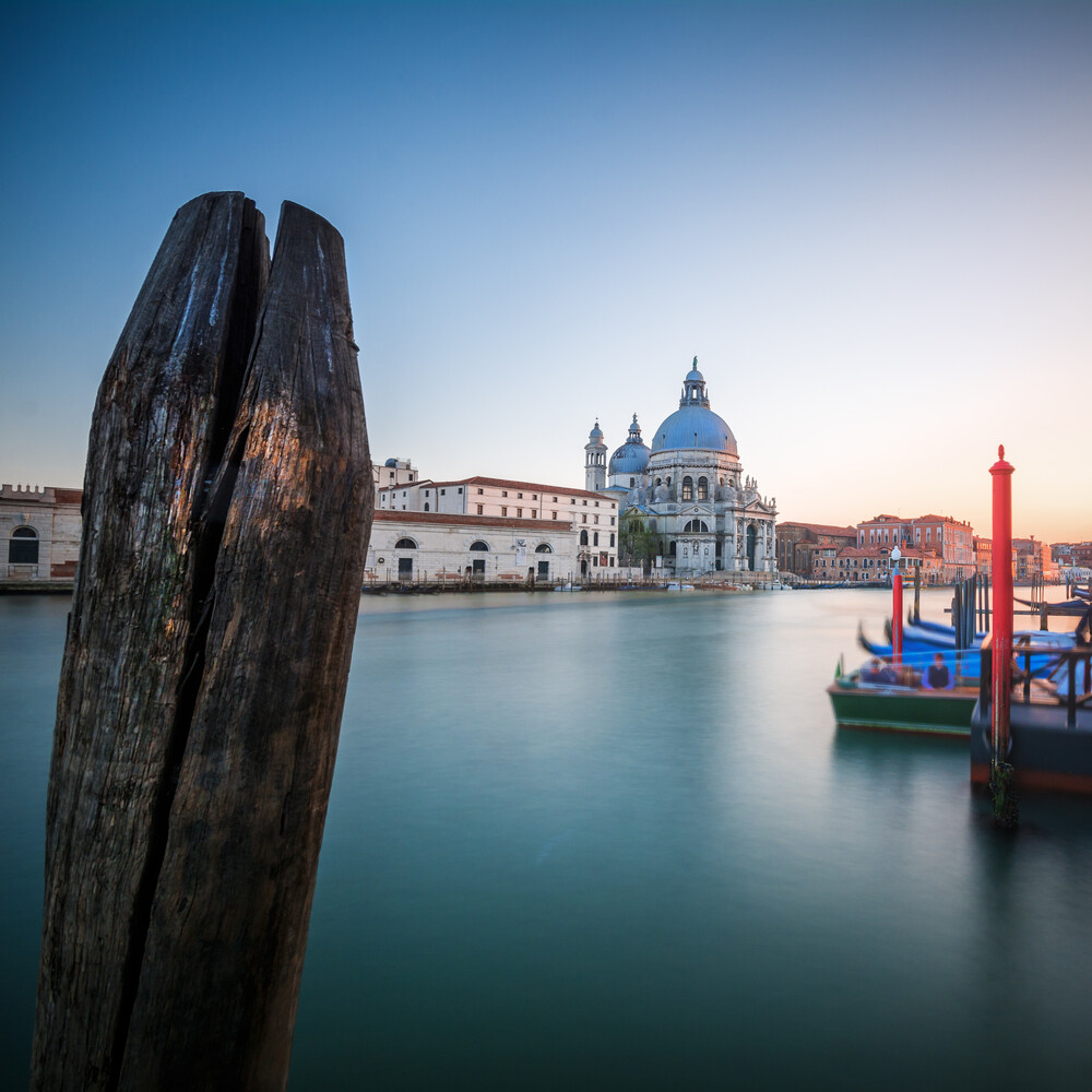 Venedig - Canal Grande - fotokunst von Jean Claude Castor