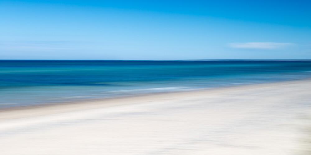 long beach - Fineart photography by Holger Nimtz