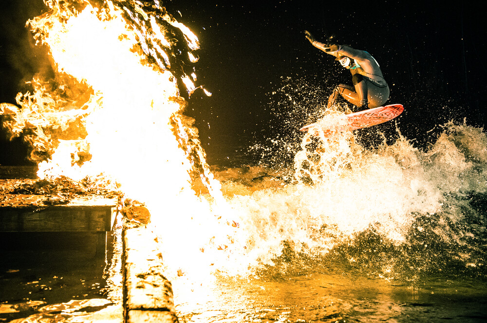 Eisbach on fire - Fineart photography by Lars Jacobsen