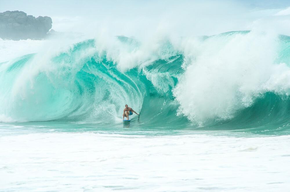 Waimea Shorebreak - fotokunst von Lars Jacobsen