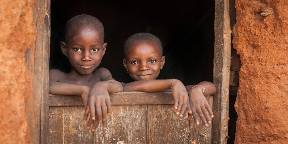 Africa-meeting of glances 07 - fotokunst von Esteban Tapella