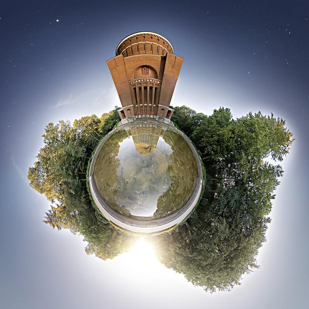 Planet Hamburg Planetarium - fotokunst von Stefan Korff