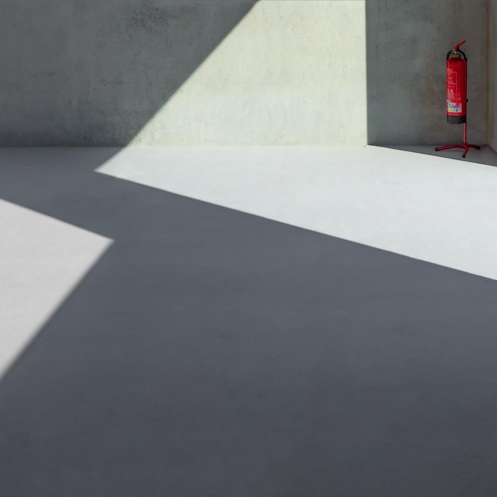 Schattendasein - fotokunst von Klaus Lenzen