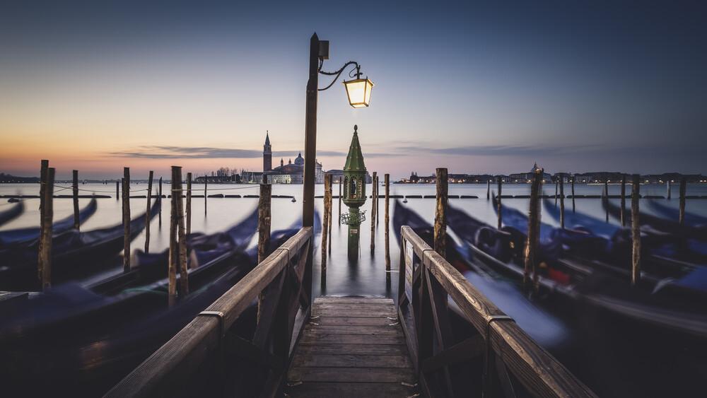 Das erste Licht Venedig Panorama - fotokunst von Ronny Behnert