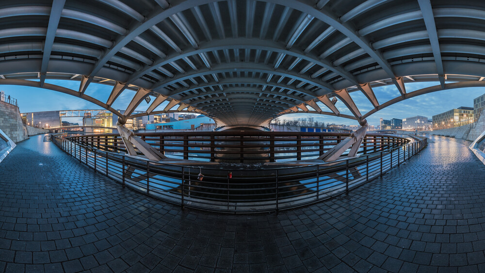 Berlin - Kronprinzenbrücke Panorama - fotokunst von Jean Claude Castor