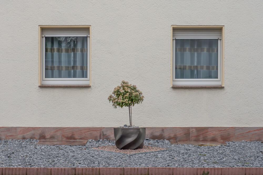 mittig - fotokunst von Klaus Lenzen