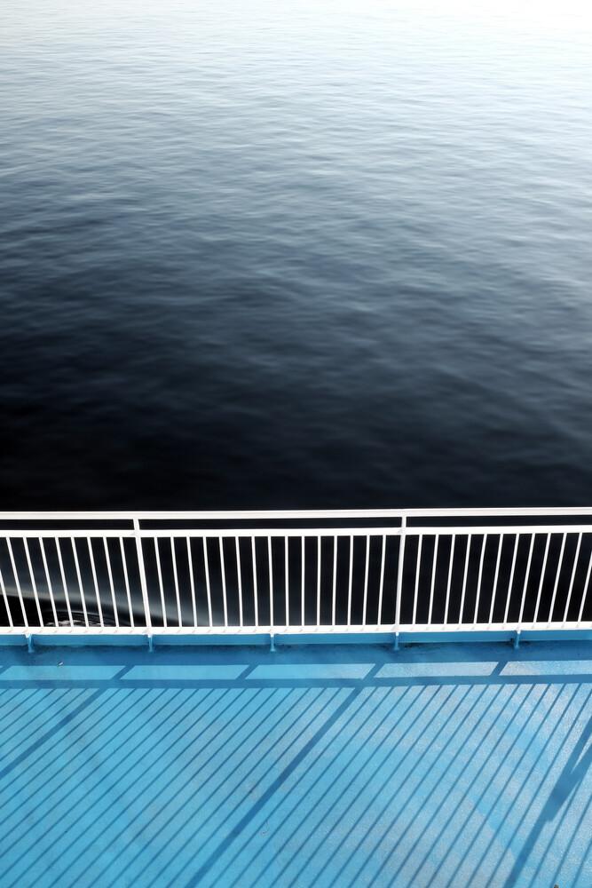 Infinite Blue - fotokunst von Janek Markstahler