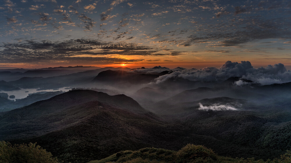 Adams Peak - Fineart photography by Oliver Ostermeyer