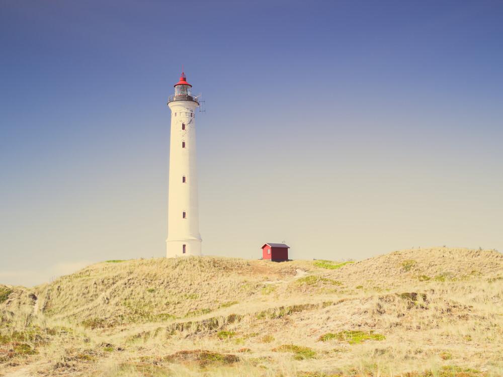 Lyngvig Fyr Leuchtturm - fotokunst von Holger Nimtz