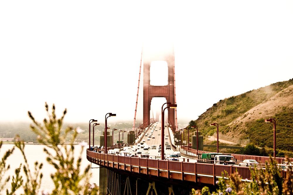 GATE – Golden Bridge - fotokunst von Un-typisch Verena Selbach