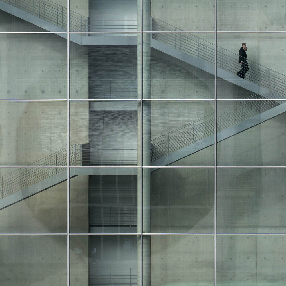downstairs - fotokunst von Klaus Lenzen