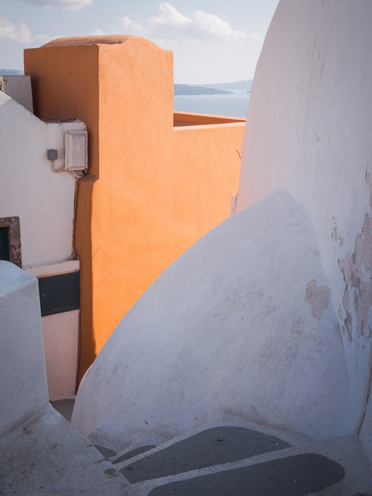 Minimalistic Santorini - 7 - fotokunst von Johann Oswald