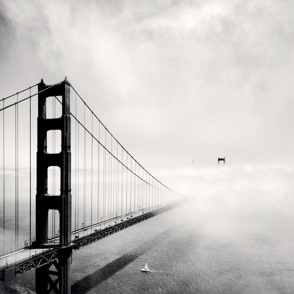 Segelboot und Golden Gate Bridge - fotokunst von Ronny Ritschel