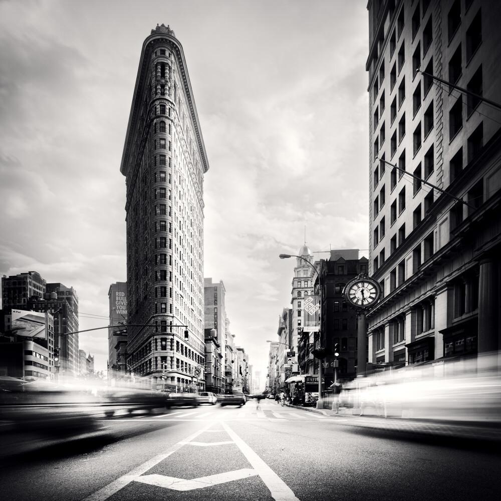 Fuller Building  - NYC - fotokunst von Ronny Ritschel