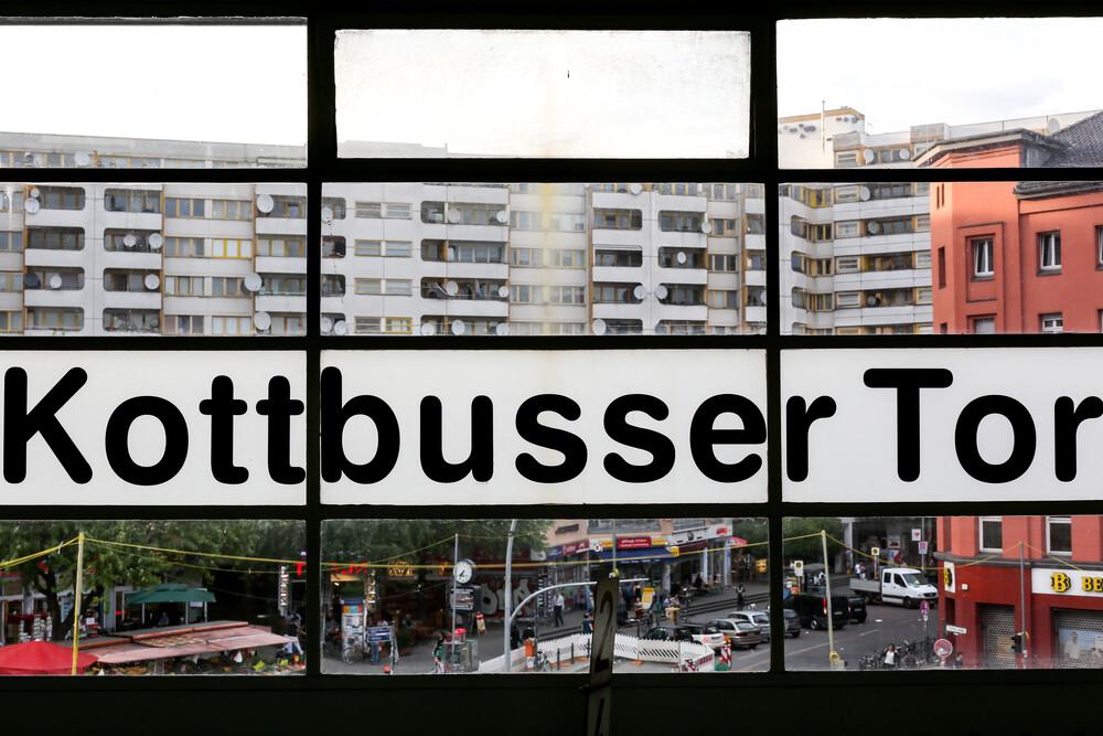 Kottbusser Tor - Fineart photography by Arno Simons