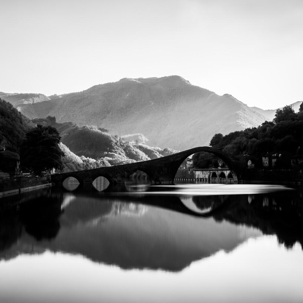 PONTE DEL DIAVOLO - LUCCA - fotokunst von Christian Janik