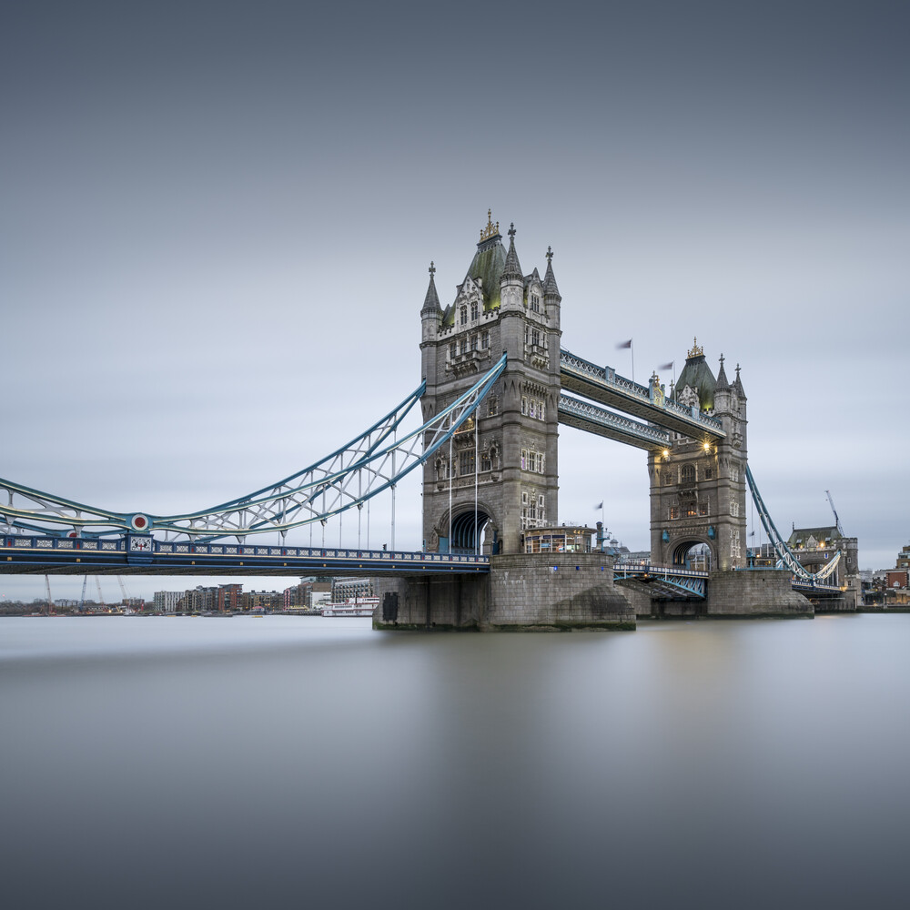 Tower Bridge - London - fotokunst von Ronny Behnert