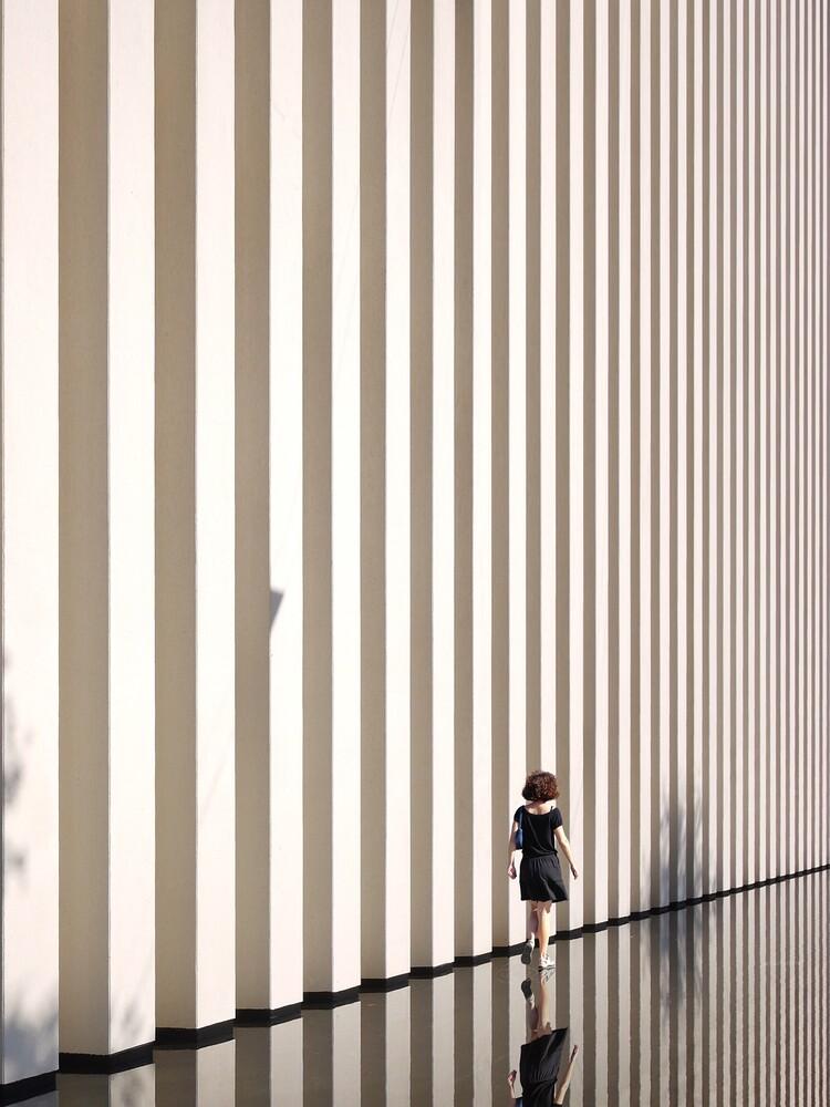 Between lines - fotokunst von Roc Isern