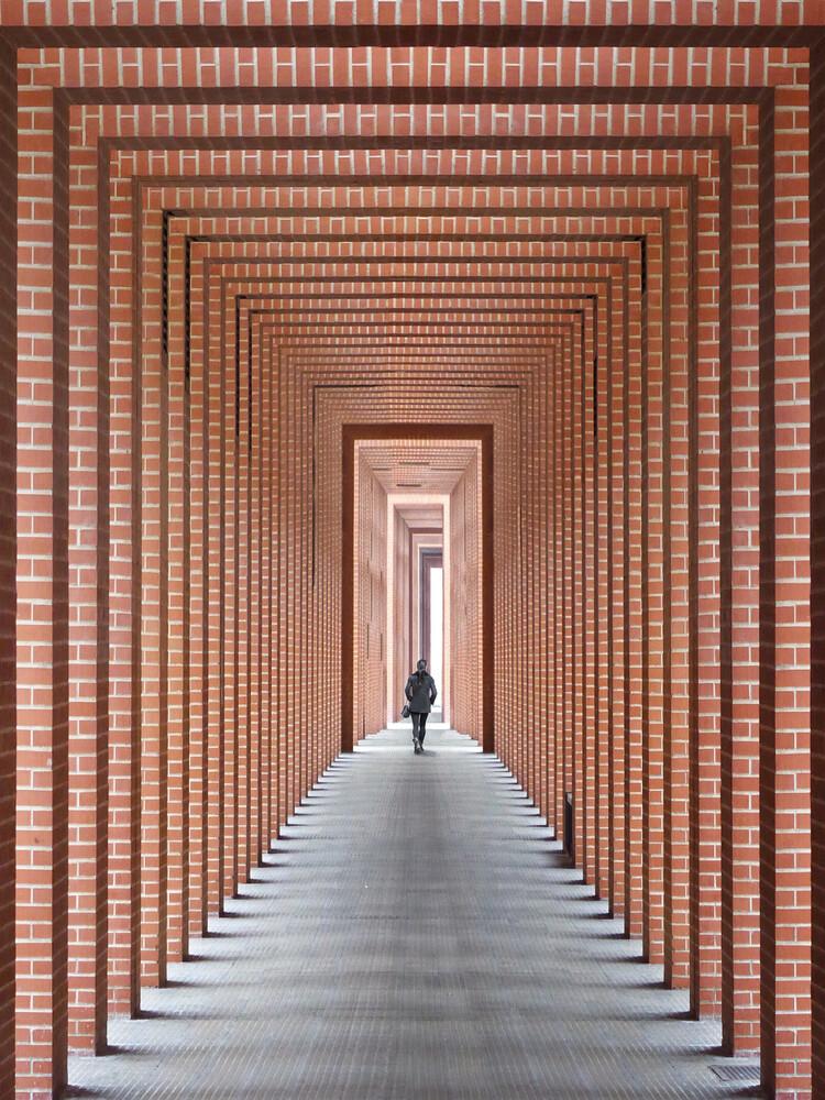 Tunnel of light - fotokunst von Roc Isern