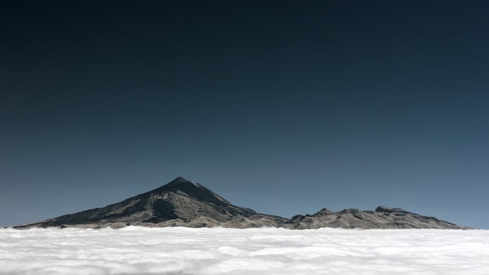 Über den Wolken - fotokunst von Holger Nimtz