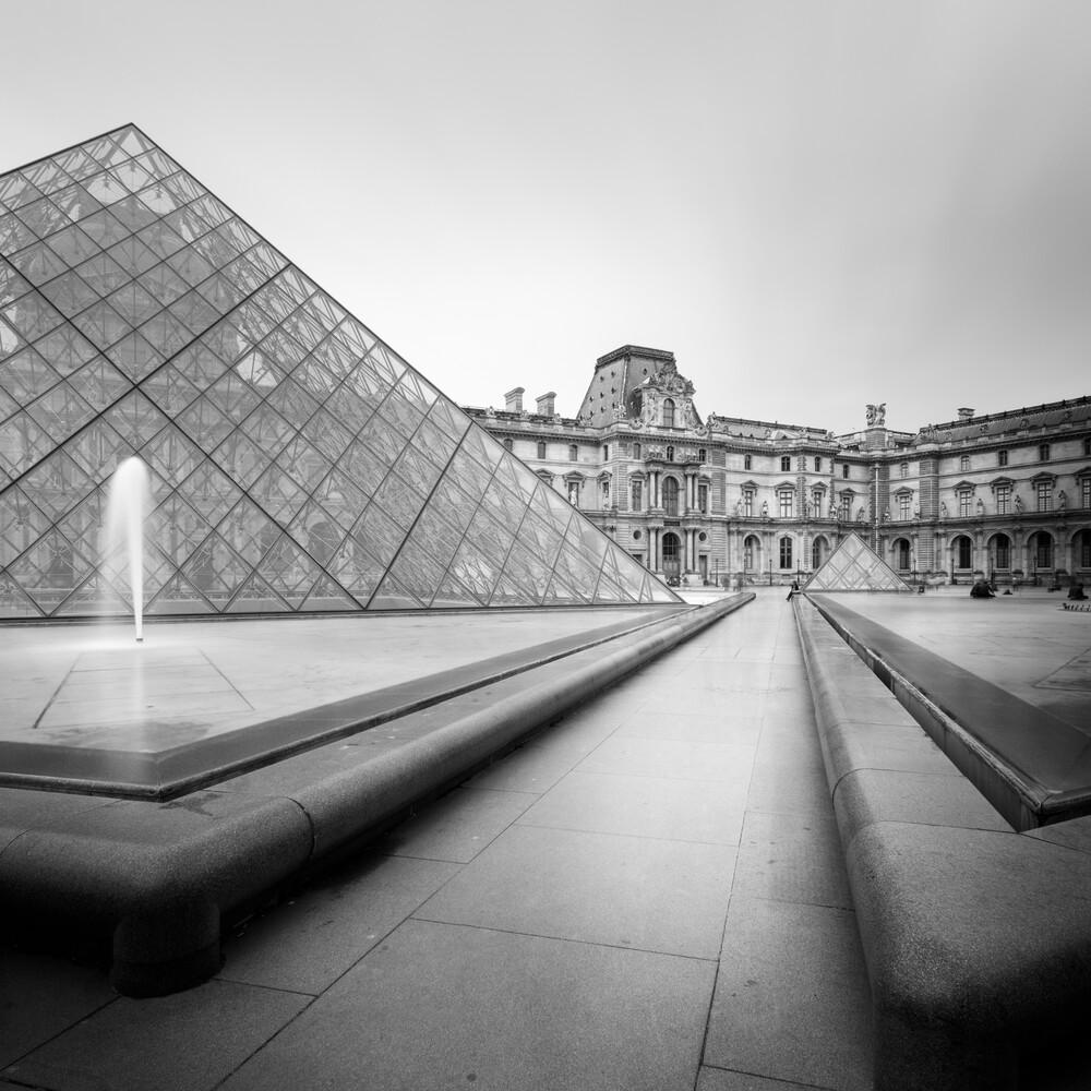 LOUVRE - PARIS - fotokunst von Christian Janik