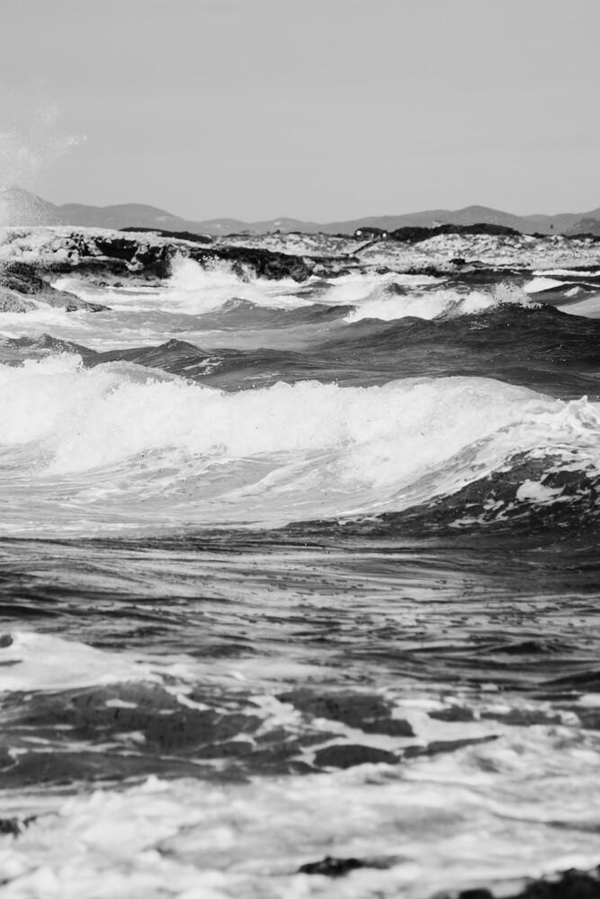Tosende Wellen im Mittelmeer vor Formentera - fotokunst von Nadja Jacke