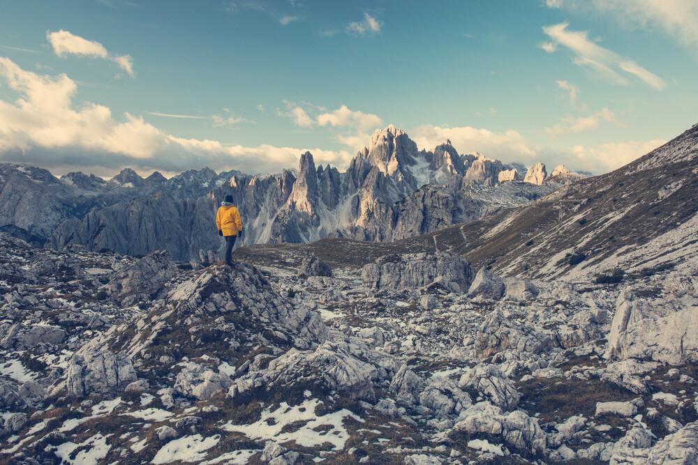 Steinige Hochebene in den Dolomiten - fotokunst von Franz Sussbauer