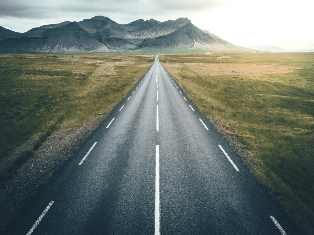 Islands Straßen - fotokunst von Patrick Monatsberger