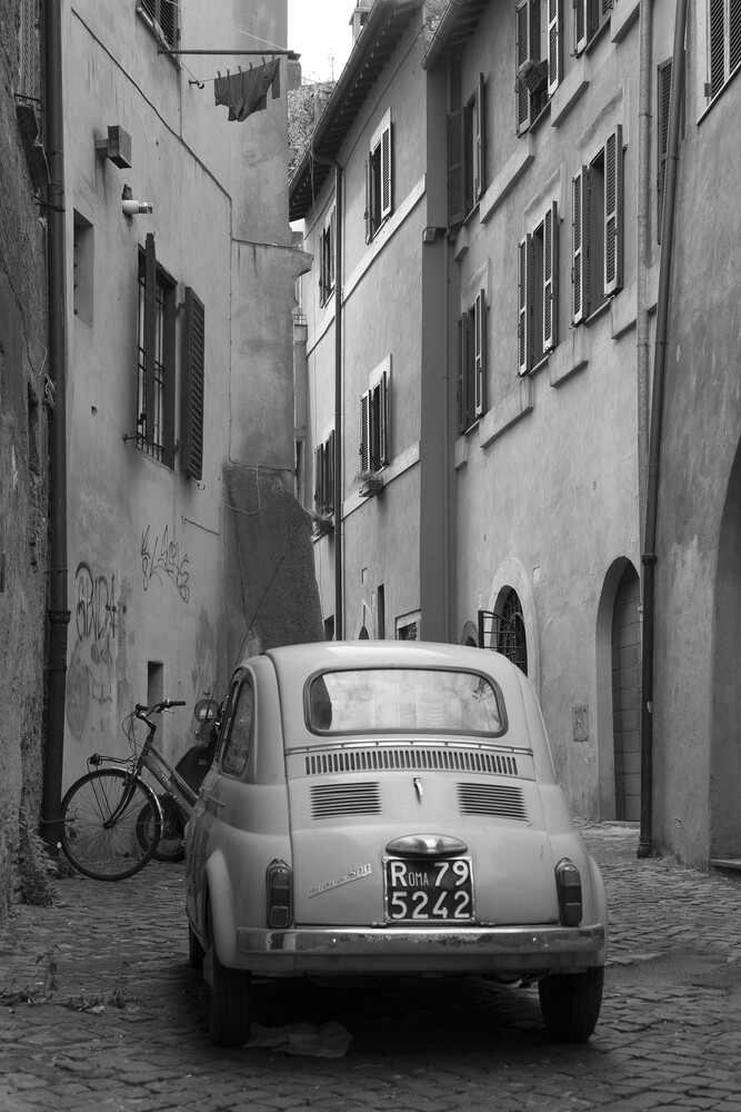 Seitengasse in Rom - Fineart photography by Angelika Stern