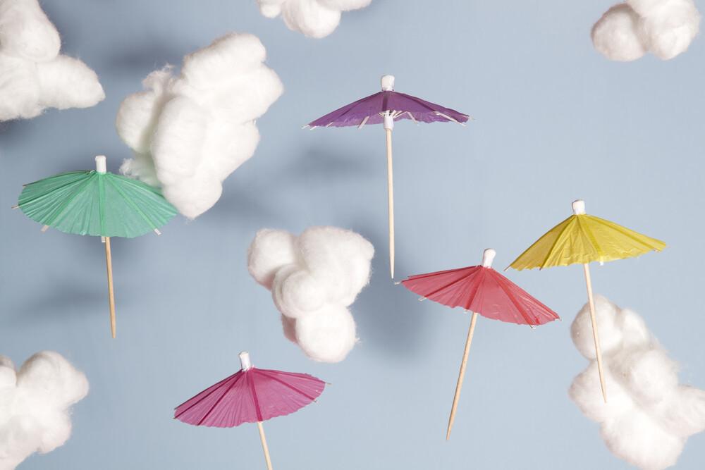 Sky umbrellas - fotokunst von Loulou von Glup