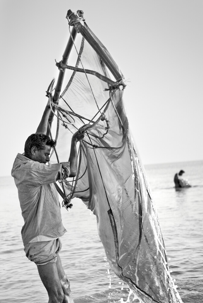 Fishermen in the Bay of Bengal, Bangladesh - Fineart photography by Jakob Berr