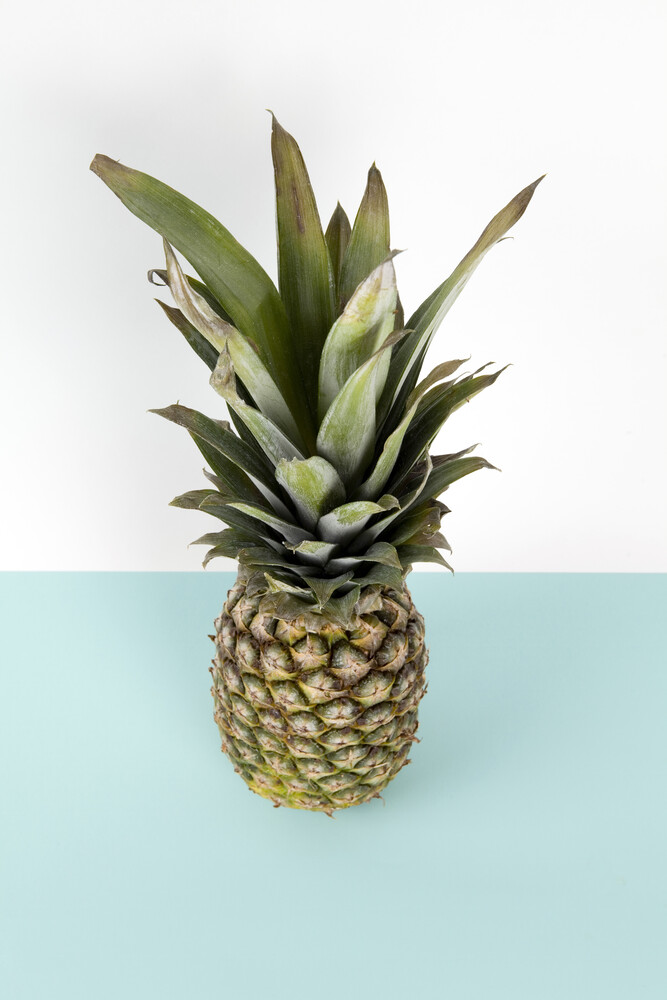 Pop pineapple - Fineart photography by Loulou von Glup