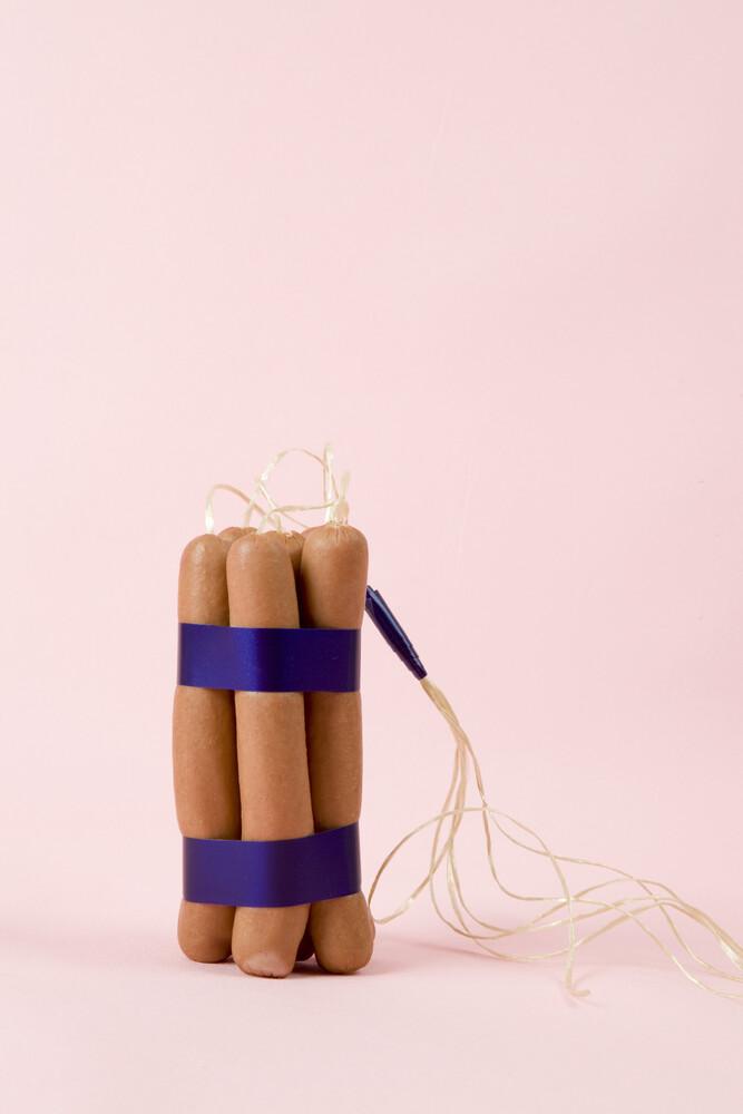 Dynamite Sausages - fotokunst von Loulou von Glup