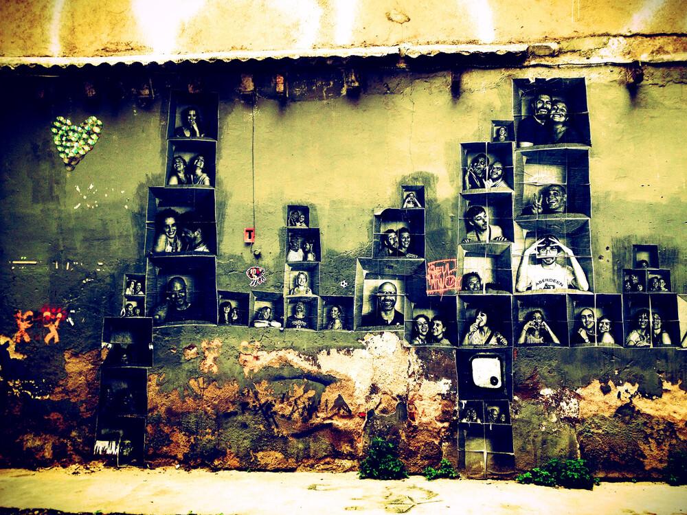 Faces in born - fotokunst von Benan Ozgurkan