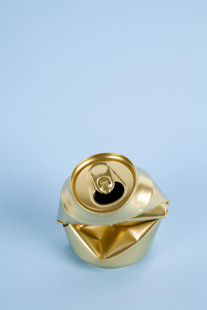 Gold Can - fotokunst von Loulou von Glup