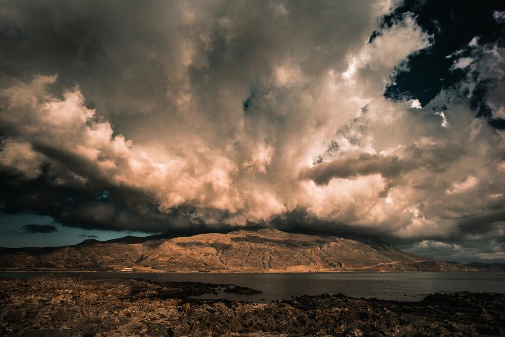 Himmel küsst Erde - fotokunst von Johann Oswald