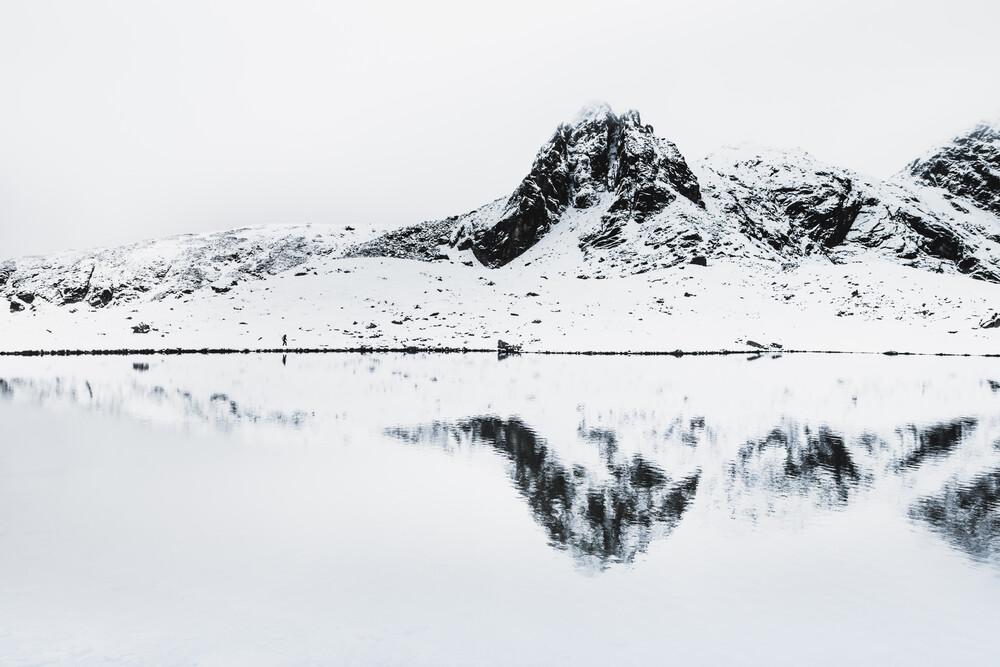 Ruhe am Bergsee - fotokunst von Frithjof Hamacher