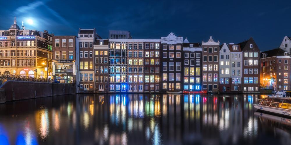 Amsterdam zur blauen Stunde - fotokunst von Jean Claude Castor